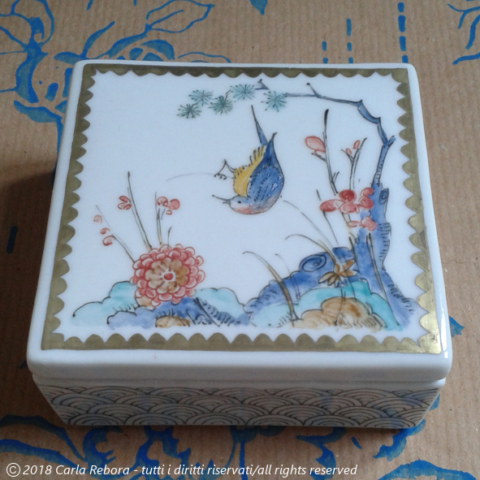 Motivi kakiemon, piccoli dipinti a terzo fuoco, 2016 kakiemon three friends